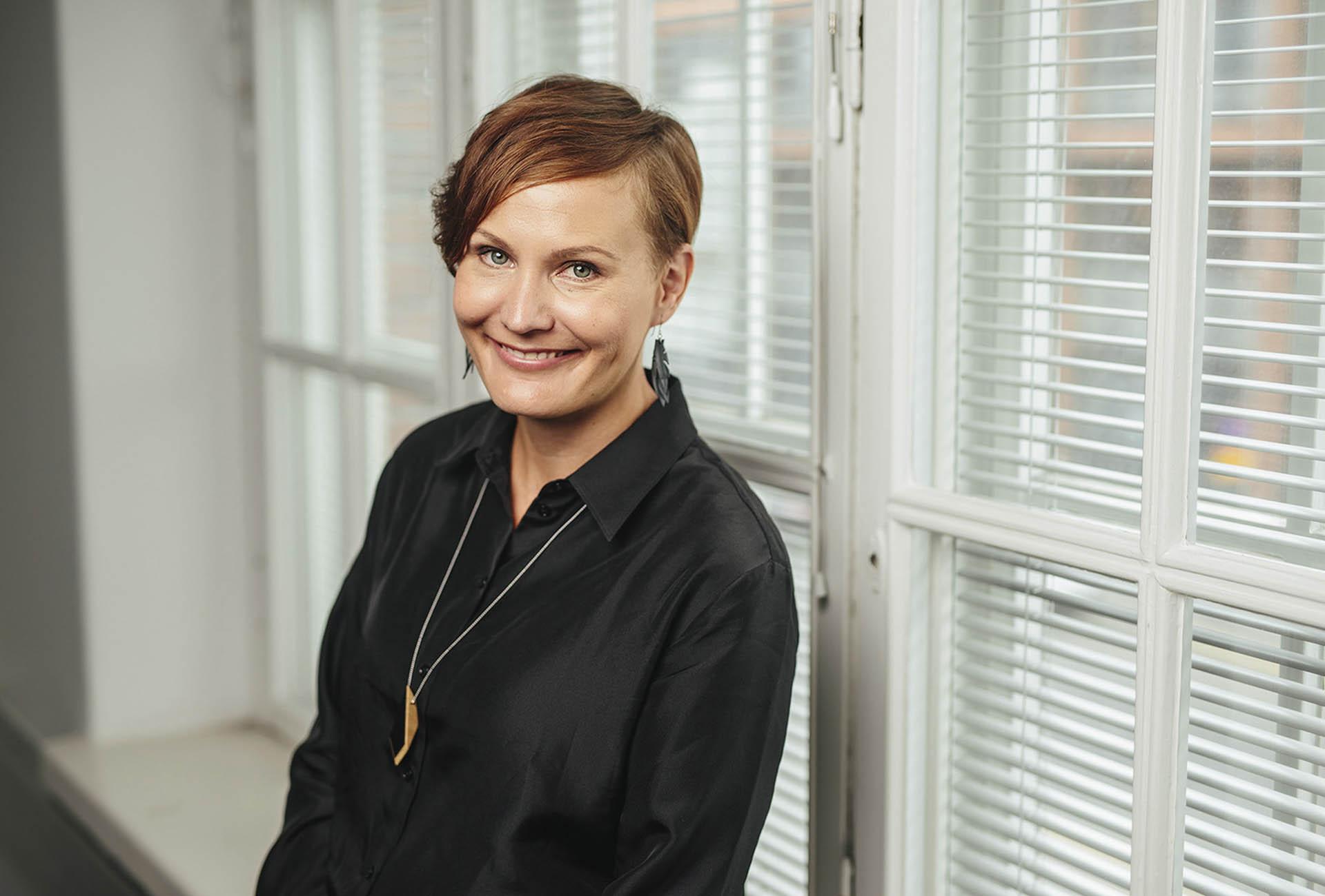 Kuvassa viestintäkonsultti Jenni Vuorio