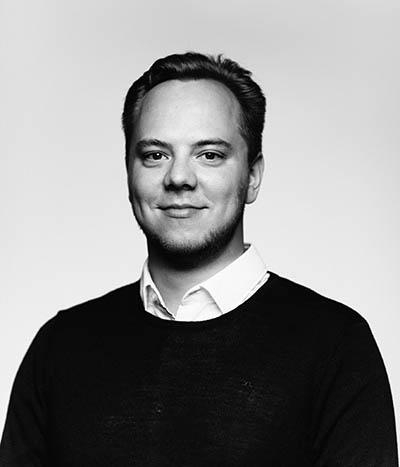 Kasvokuvassa viestintäkonsultti Ilari Leskelä