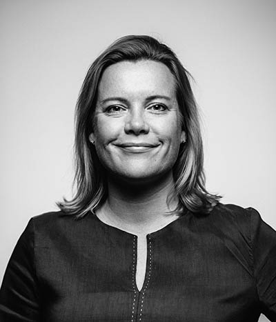 Kasvokuvassa johtaja Johanna Henttonen
