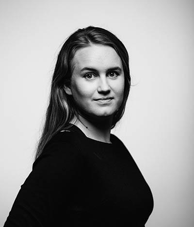 Kasvokuvassa talous- ja hallintopäällikkö Laura Julkunen