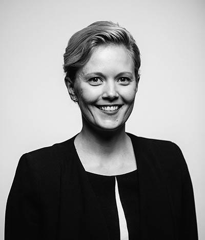Kasvokuvassa viestintäkonsultti Titta Jaakkola