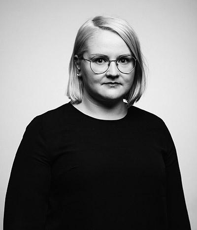 Kasvokuvassa Mari Kröger