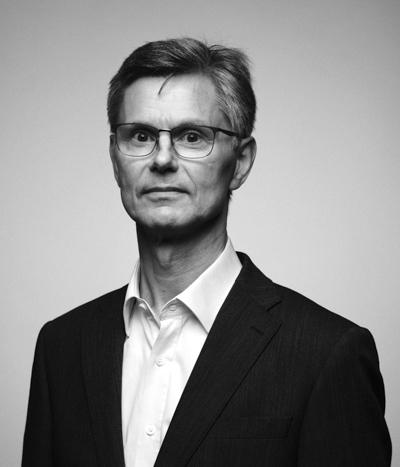 Jukka Schitzler kasvokuvassa